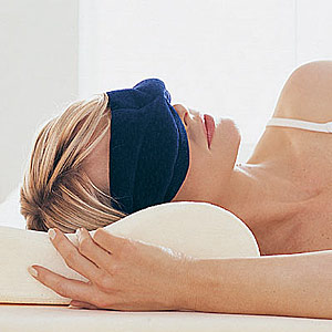 http://leisureguy.files.wordpress.com/2006/08/sleep-mask.jpg